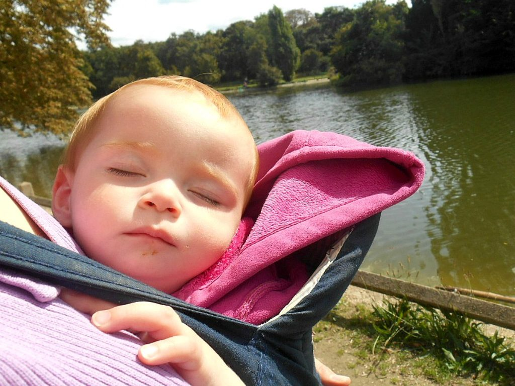 Karmienie dziecka: Wprowadzanie nowych pokarmów do diety noworodka.