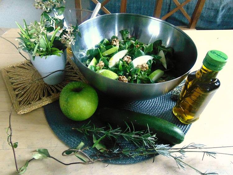Rozmaryn – dlaczego warto go mieć w kuchni i co można z nim zrobić ?