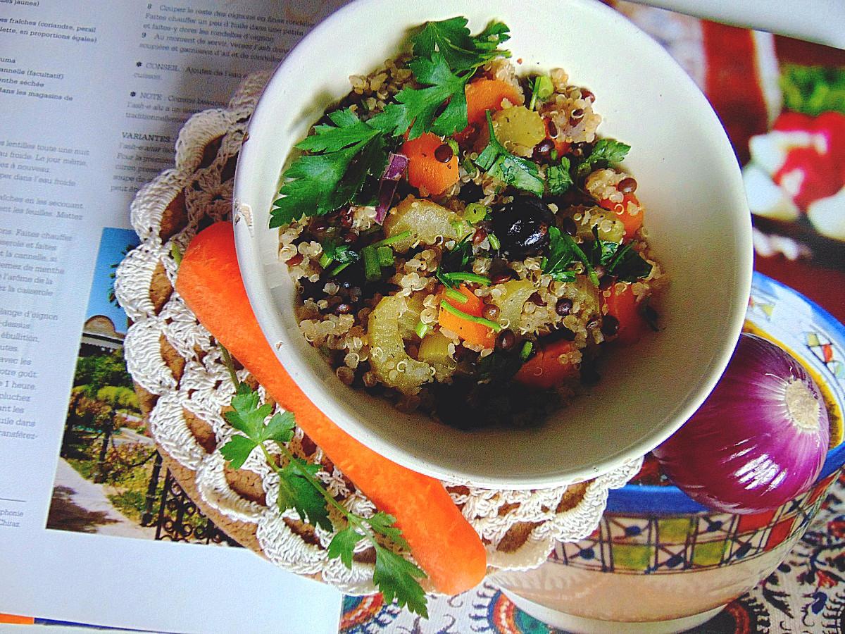 danie wegetariańskie z soczewicy quinoa