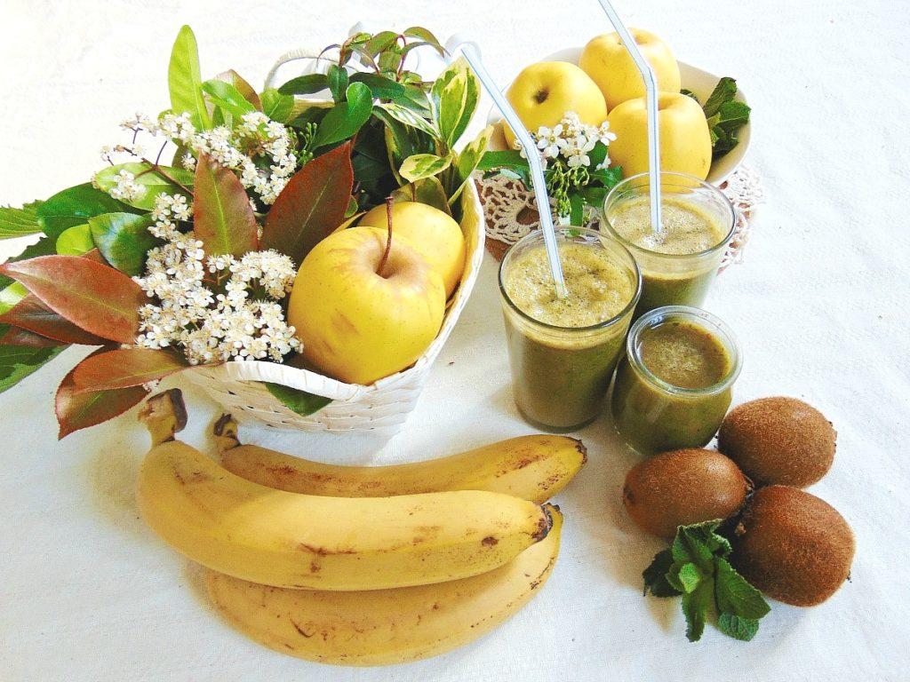 Smoothie przepisy: koktajl owocowy: kiwi, jabłko, szpinak..