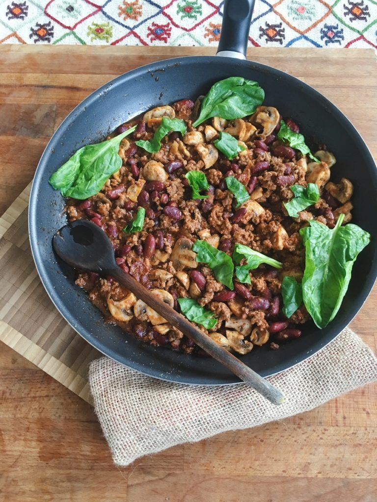 Fasola z grzybami - przepis na sycącą obiado - kolację.