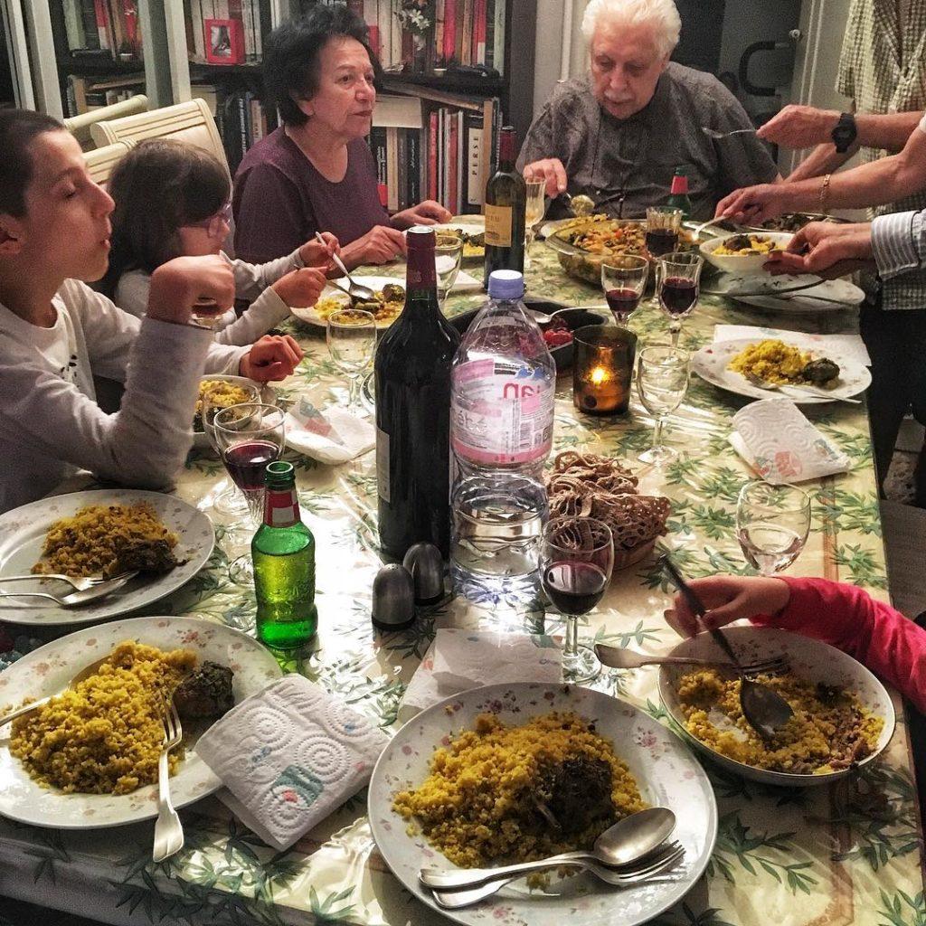 Jak kulturalnie odmawiać jedzenia i kolejnej dokładki?