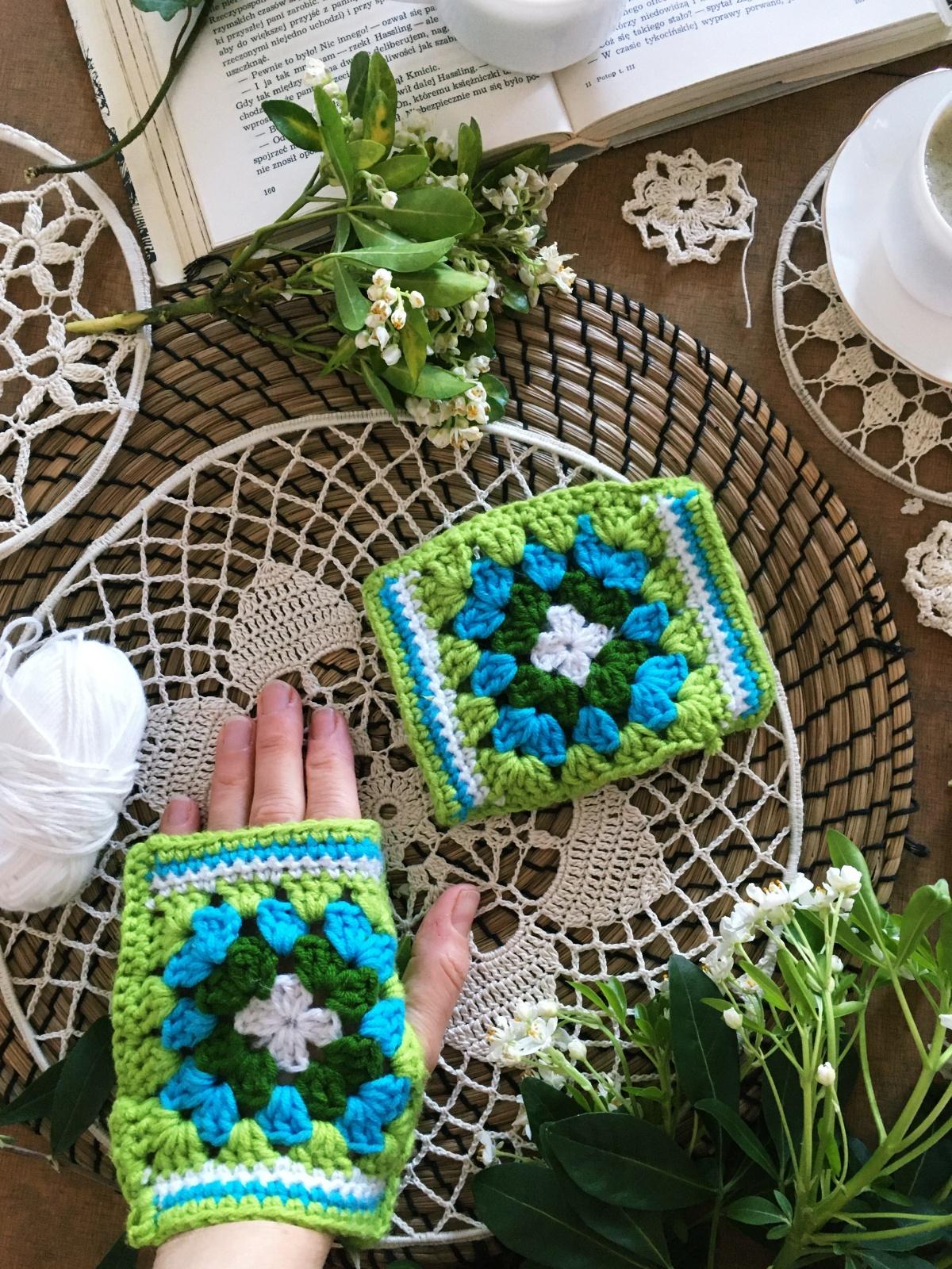 Wielokolorowe mitenki na szydelku. Crochet Granny square